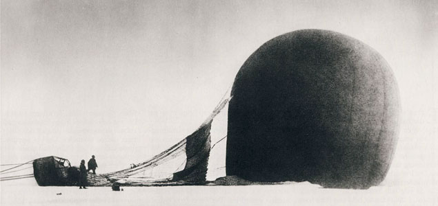 S. A. Andrée's Arctic balloon expedition of 1897 was an effort to reach the North Pole.