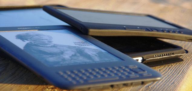 Lectors de llibres electrònics Kindle.