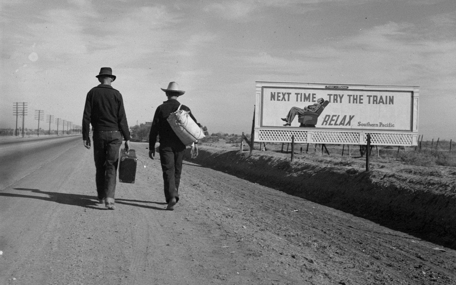 Dos homes caminant cap a Los Angeles, 1937