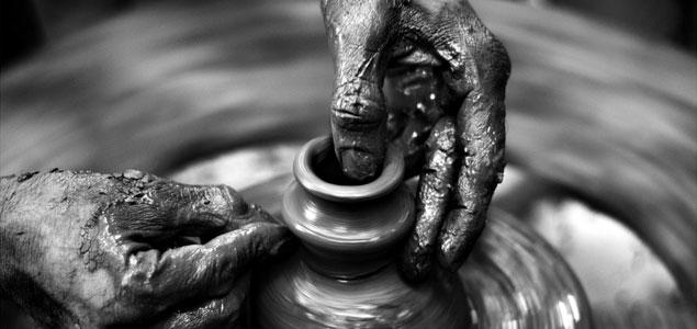 Creando con las manos.